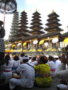 ブサキ寺院3